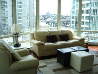 """Photo 2: 1408 1500 HORNBY Street in Vancouver: False Creek North Condo for sale in """"888 BEACH"""" (Vancouver West)  : MLS®# V720670"""
