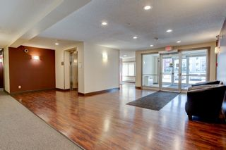 Photo 2: 204 2229 44 Avenue in Edmonton: Zone 30 Condo for sale : MLS®# E4237353