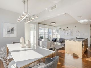 """Photo 12: 2001 1055 RICHARDS Street in Vancouver: Downtown VW Condo for sale in """"Donovan"""" (Vancouver West)  : MLS®# R2555936"""