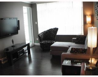 """Photo 4: 2103 438 SEYMOUR Street in Vancouver: Downtown VW Condo for sale in """"CONFERENCE PLAZA"""" (Vancouver West)  : MLS®# V813735"""
