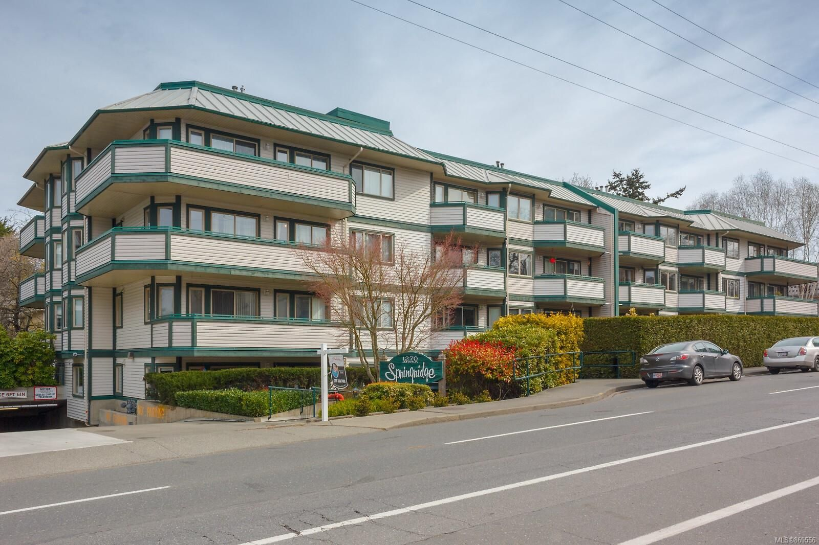 Main Photo: 207 1270 Johnson St in : Vi Downtown Condo for sale (Victoria)  : MLS®# 869556