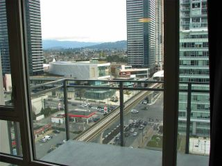 """Photo 12: 1705 2008 ROSSER Avenue in Burnaby: Brentwood Park Condo for sale in """"STRATUS AT SOLO DISTRICT"""" (Burnaby North)  : MLS®# R2436831"""