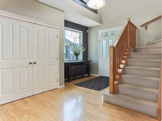 Photo 4: 119 CRESTMONT Drive SW in Calgary: Crestmont Detached for sale : MLS®# C4205113