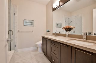 """Photo 15: 41 22057 49 Avenue in Langley: Murrayville Townhouse for sale in """"HERITAGE"""" : MLS®# R2493001"""
