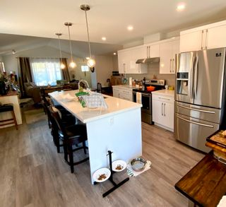"""Photo 8: 5692 PARTRIDGE Way in Sechelt: Sechelt District House for sale in """"TYLER HEIGHTS"""" (Sunshine Coast)  : MLS®# R2603814"""
