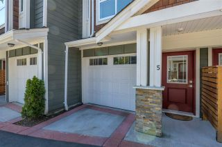 """Photo 4: 5 9989 240A Street in Maple Ridge: Albion Townhouse for sale in """"ALBION CROSSING"""" : MLS®# R2454131"""