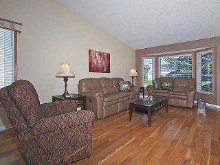 Photo 3: 160 HAWKHILL Way NW in CALGARY: Hawkwood Residential Detached Single Family for sale (Calgary)  : MLS®# C3533005