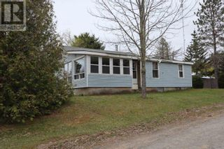 Photo 2: 15 ROGERS Road in Caledonia: House for sale : MLS®# 202110995