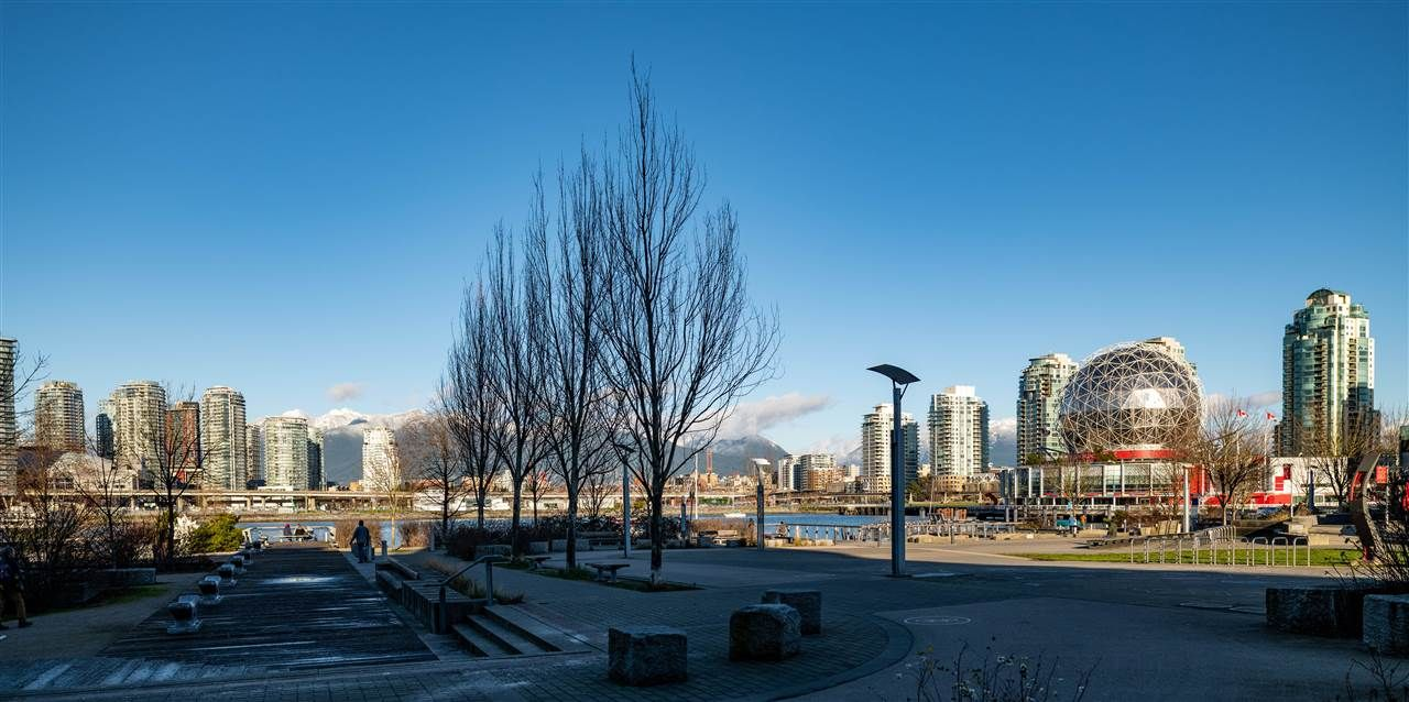 """Main Photo: 413 1661 QUEBEC Street in Vancouver: Mount Pleasant VE Condo for sale in """"Voda"""" (Vancouver East)  : MLS®# R2408095"""