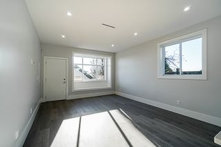 Photo 5: 5590 CLINTON Street in Burnaby: South Slope 1/2 Duplex for sale (Burnaby South)  : MLS®# R2352730