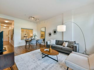"""Photo 1: 103 702 E KING EDWARD Avenue in Vancouver: Fraser VE Condo for sale in """"Magnolia"""" (Vancouver East)  : MLS®# R2446677"""