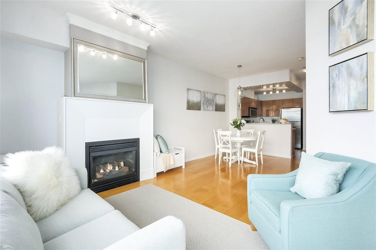 "Main Photo: 402 2268 REDBUD Lane in Vancouver: Kitsilano Condo for sale in ""ANSONIA"" (Vancouver West)  : MLS®# R2340515"