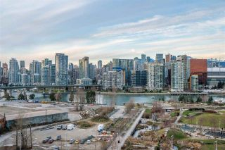 """Photo 17: 1409 1788 COLUMBIA Street in Vancouver: False Creek Condo for sale in """"Epic at West"""" (Vancouver West)  : MLS®# R2392931"""