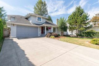"""Photo 1: 15550 98A Avenue in Surrey: Guildford House for sale in """"BRIARWOOD"""" (North Surrey)  : MLS®# R2291832"""