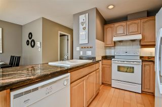 """Photo 10: 257 WATERLEIGH Drive in Vancouver: Marpole Townhouse for sale in """"SPRINGS AT LANGARA"""" (Vancouver West)  : MLS®# R2457587"""