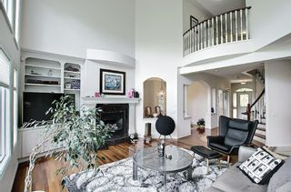 Photo 9: 125 Sienna Park Drive SW in Calgary: Signal Hill Detached for sale : MLS®# A1117082