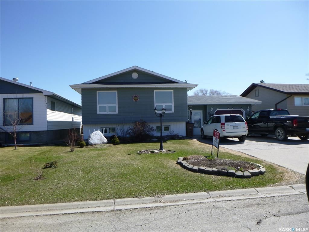 Main Photo: 2110 100A Street in Tisdale: Residential for sale : MLS®# SK840501