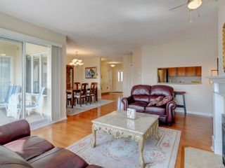Photo 4: 518 50 Songhees Rd in : VW Songhees Condo for sale (Victoria West)  : MLS®# 885123