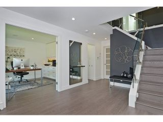 """Photo 5: 598 W 24TH Avenue in Vancouver: Cambie House for sale in """"DOUGLAS PARK"""" (Vancouver West)  : MLS®# V1125988"""
