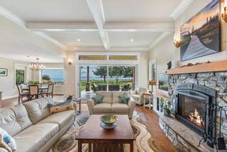 Photo 5: 955 Balmoral Rd in : CV Comox Peninsula House for sale (Comox Valley)  : MLS®# 885746