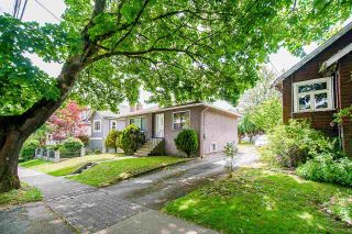 Photo 2: 360 E 24TH Avenue in Vancouver: Main House for sale (Vancouver East)  : MLS®# R2590012