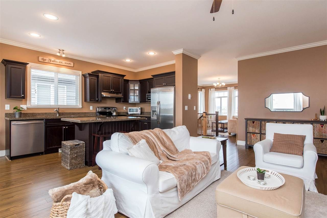"""Photo 14: Photos: 34914 2 Avenue in Abbotsford: Poplar House for sale in """"Huntingdon Village"""" : MLS®# R2548984"""