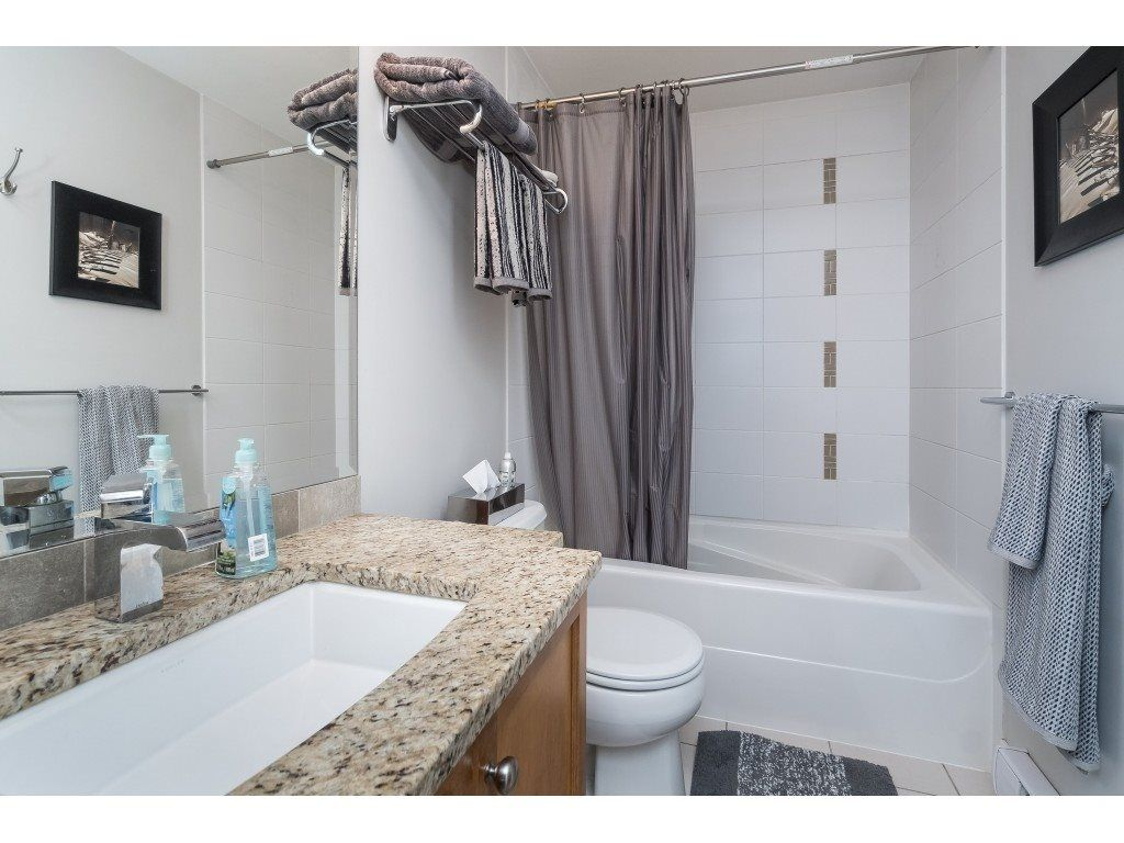 "Photo 14: Photos: 407 30525 CARDINAL Avenue in Abbotsford: Abbotsford West Condo for sale in ""Tamarind"" : MLS®# R2446195"