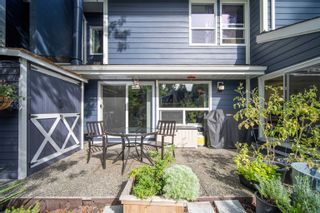 """Main Photo: 40 9101 FOREST GROVE Drive in Burnaby: Forest Hills BN Townhouse for sale in """"Rossmoor"""" (Burnaby North)  : MLS®# R2615652"""