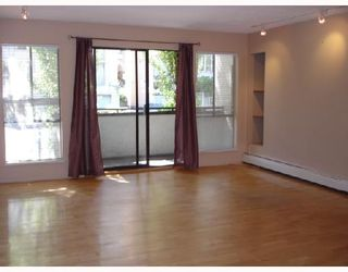 """Photo 2: 204 1830 ALBERNI Street in Vancouver: West End VW Condo for sale in """"GARDEN COURT"""" (Vancouver West)  : MLS®# V663574"""