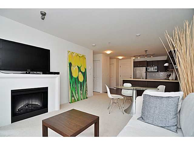 """Photo 4: Photos: 201 738 E 29TH Avenue in Vancouver: Fraser VE Condo for sale in """"CENTURY"""" (Vancouver East)  : MLS®# V1024242"""