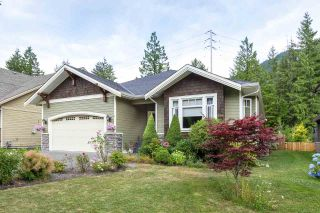 """Photo 1: 41424 DRYDEN Road in Squamish: Brackendale House for sale in """"BRACKEN ARMS"""" : MLS®# R2561228"""