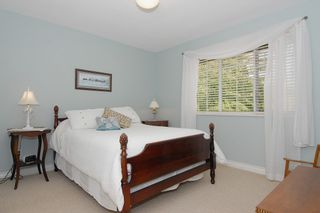 "Photo 8: 14170 31A Avenue in Surrey: Elgin Chantrell House for sale in ""Elgin"" (South Surrey White Rock)  : MLS®# F1225772"