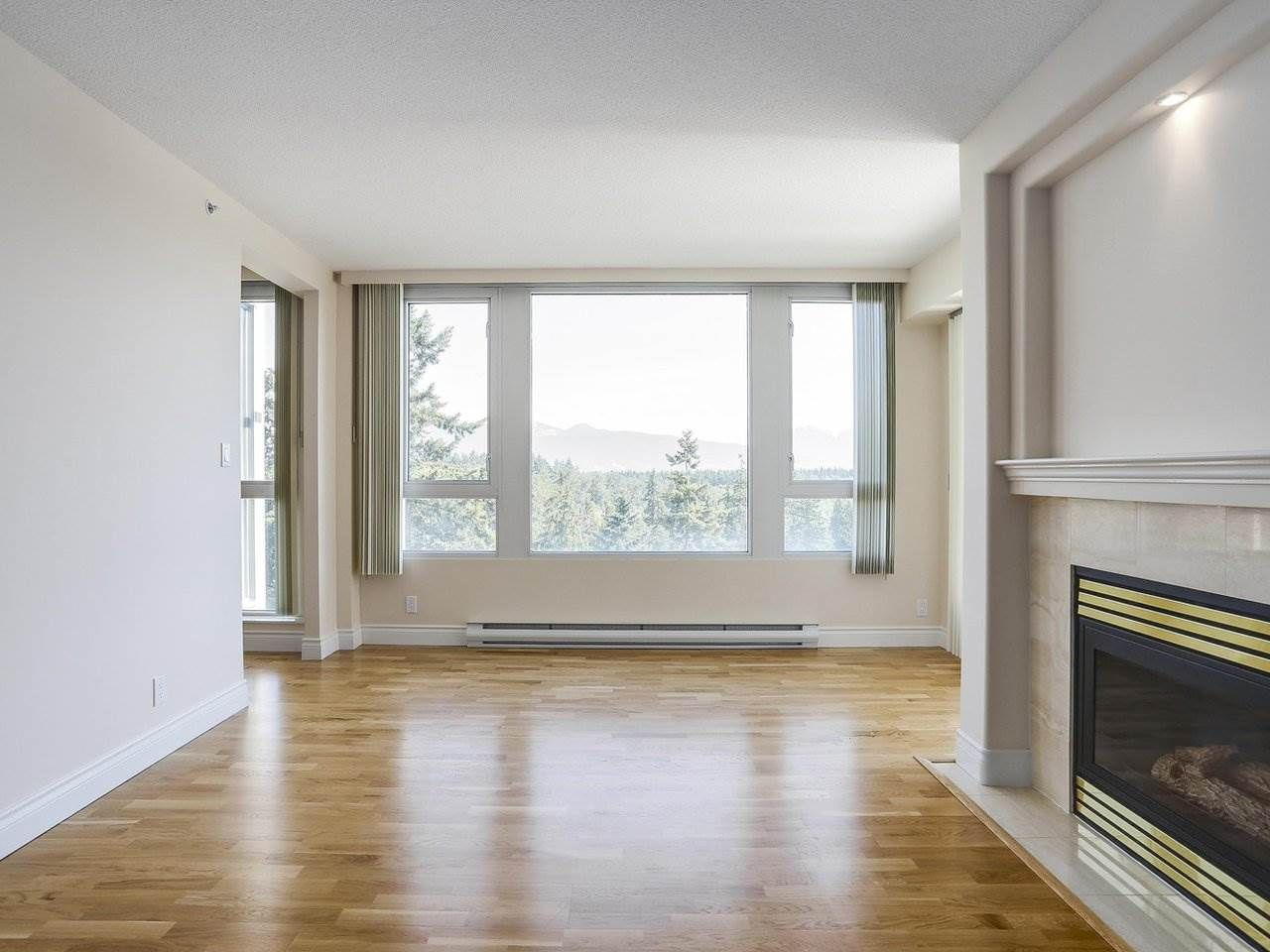 """Photo 3: Photos: 1704 5775 HAMPTON Place in Vancouver: University VW Condo for sale in """"CHATHAM"""" (Vancouver West)  : MLS®# R2196974"""