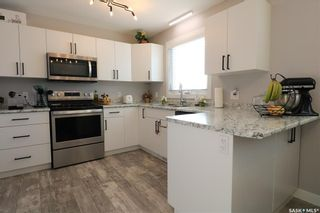 Photo 2: 372 26th Street in Battleford: Residential for sale : MLS®# SK833664