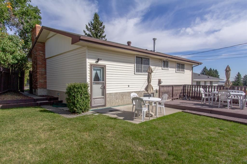 Photo 29: Photos: 1039 Hunterdale Place NW in Calgary: Huntington Hills Detached for sale : MLS®# A1144126