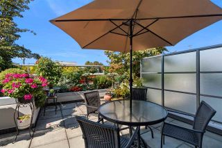 """Photo 1: 261 2080 W BROADWAY in Vancouver: Kitsilano Condo for sale in """"Pinnacle Living on Broadway"""" (Vancouver West)  : MLS®# R2496208"""