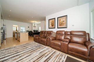 """Photo 3: 17 22810 113 Avenue in Maple Ridge: East Central Townhouse for sale in """"RUXTON VILLAGE"""" : MLS®# R2588632"""
