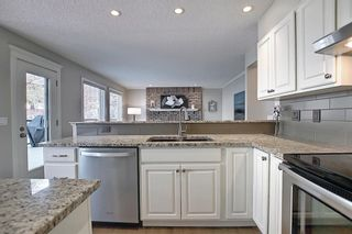Photo 12: 11 Strathcanna Court SW in Calgary: Strathcona Park Detached for sale : MLS®# A1079012