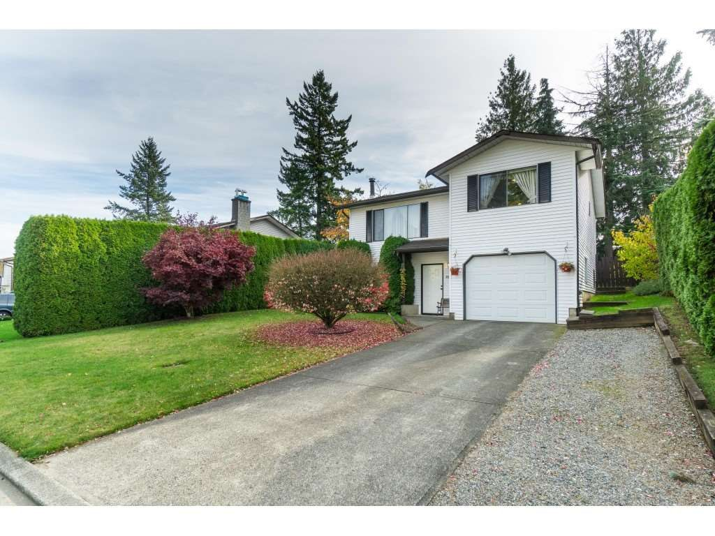 Main Photo: 3265 CHEAM Drive in Abbotsford: Abbotsford West House for sale : MLS®# R2417176