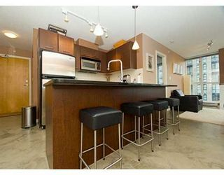 """Photo 8: 1199 SEYMOUR Street in Vancouver: Downtown VW Condo for sale in """"BRAVA"""" (Vancouver West)  : MLS®# V625814"""