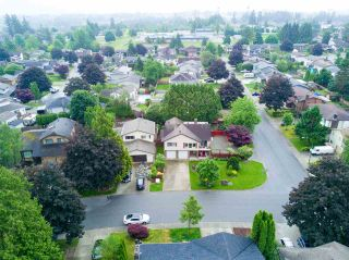 Photo 1: 3702 HARWOOD Crescent in Abbotsford: Central Abbotsford House for sale : MLS®# R2174121