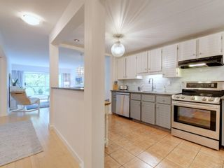 Photo 5: 109 10461 Resthaven Dr in : Si Sidney North-East Condo for sale (Sidney)  : MLS®# 888017
