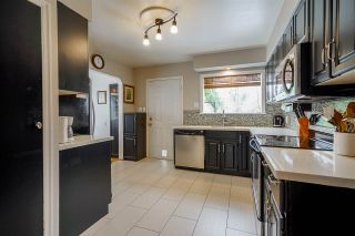"""Photo 7: 377 SIMPSON Street in New Westminster: Sapperton House for sale in """"SAPPERTON"""" : MLS®# R2543534"""