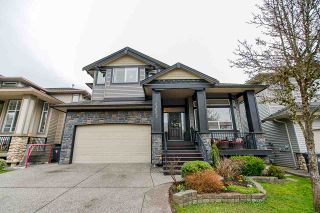 """Photo 1: 21652 90B Avenue in Langley: Walnut Grove House for sale in """"MADISON PARK"""" : MLS®# R2445516"""