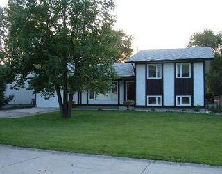 Photo 1: 38 SINNOTT ST in WINNIPEG: Charleswood Residential for sale (West Winnipeg)  : MLS®# 2916839