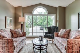 Photo 2: 239 COACHWAY Road SW in Calgary: Coach Hill Detached for sale : MLS®# C4258685