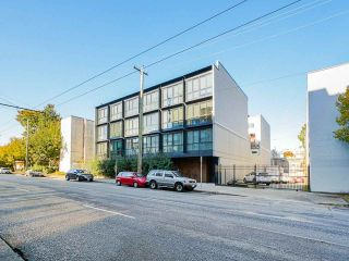 """Main Photo: 311 557 E CORDOVA Street in Vancouver: Strathcona Townhouse for sale in """"Cordovan"""" (Vancouver East)  : MLS®# R2557832"""