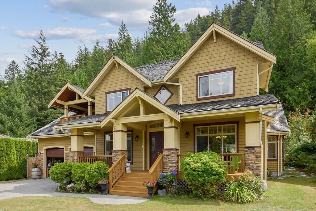 Main Photo: 149 STONEGATE Drive in West Vancouver: Furry Creek House for sale : MLS®# R2608610