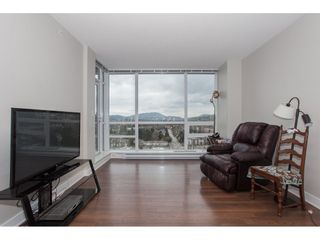 """Photo 3: 2202 2968 GLEN Drive in Coquitlam: North Coquitlam Condo for sale in """"Grand Central 2"""" : MLS®# R2142180"""