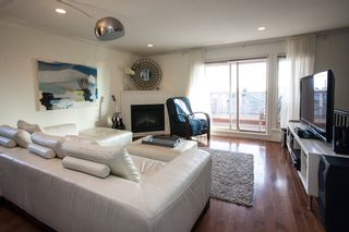 """Photo 2: 9 14921 THRIFT Avenue: White Rock Townhouse for sale in """"Nicole Place"""" (South Surrey White Rock)  : MLS®# R2036122"""